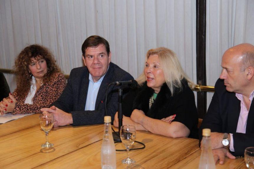 Con críticas a Arroyo, Carrió también presentó su libro en Mar del Plata