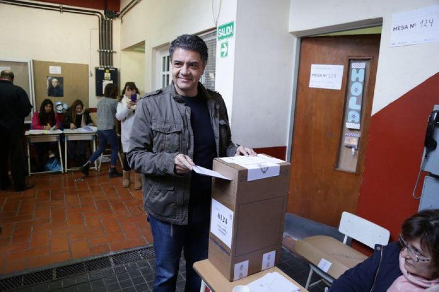Jorge Macri votó en el Instituto Pedro Poveda de Vicente López