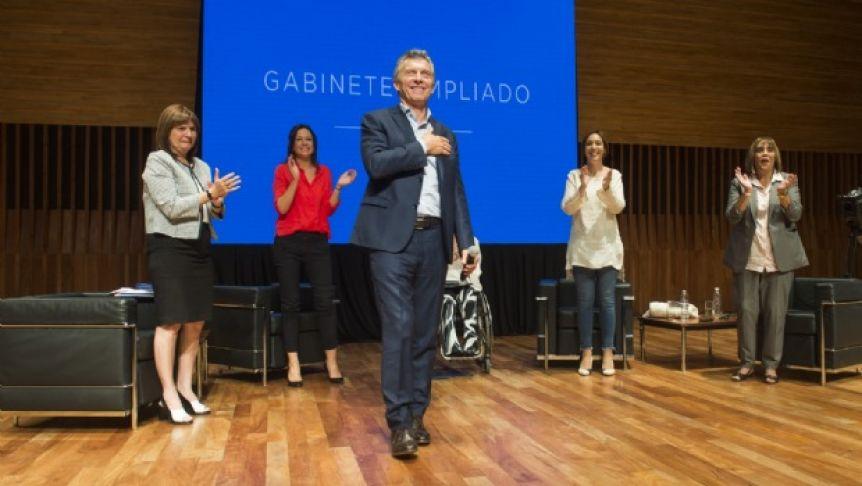 Tras el cachetazo electoral, Macri convocó a reunión del gabinete ampliado