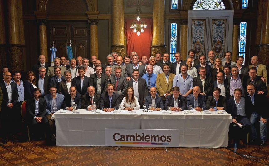 Tras la derrota en las PASO, Vidal convocó a todos los intendentes de Cambiemos