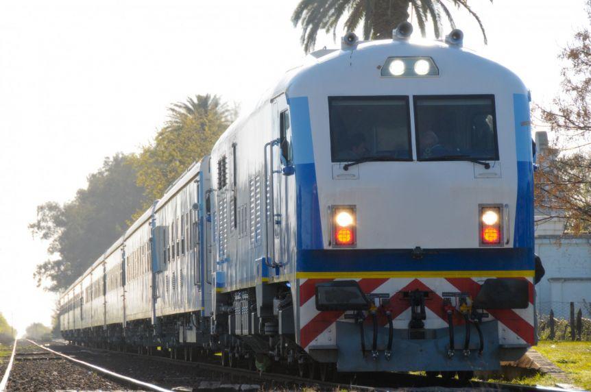Intendente PJ pasó factura de la inversión para el regreso del tren