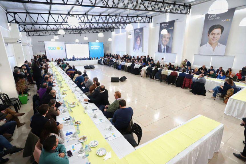 Kicillof y los intendentes del Frente de Todos le dan forma al sprint final de la campaña