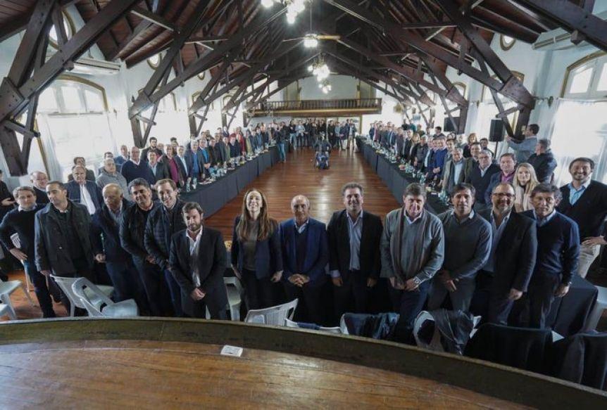 Inflador en mano, Vidal y sus alcaldes renovaron el compromiso de dar vuelta el resultado de las PASO