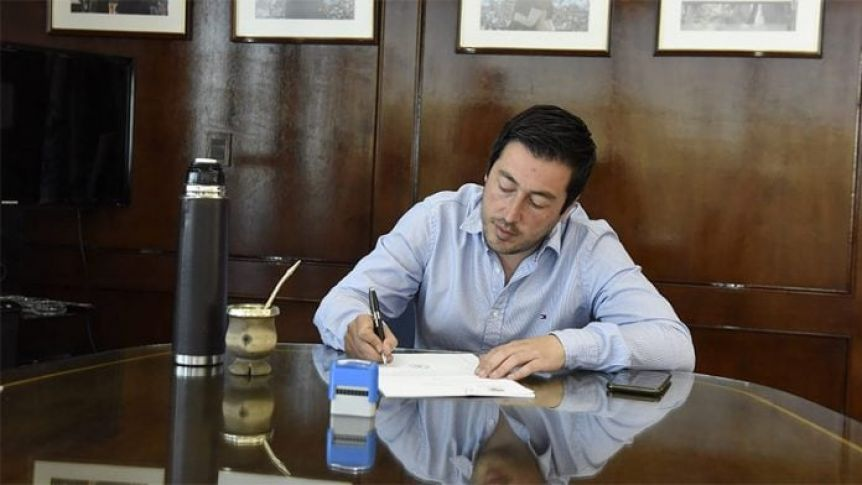 Nardini se suma a los intendentes que otorgarán bonos a empleados municipales