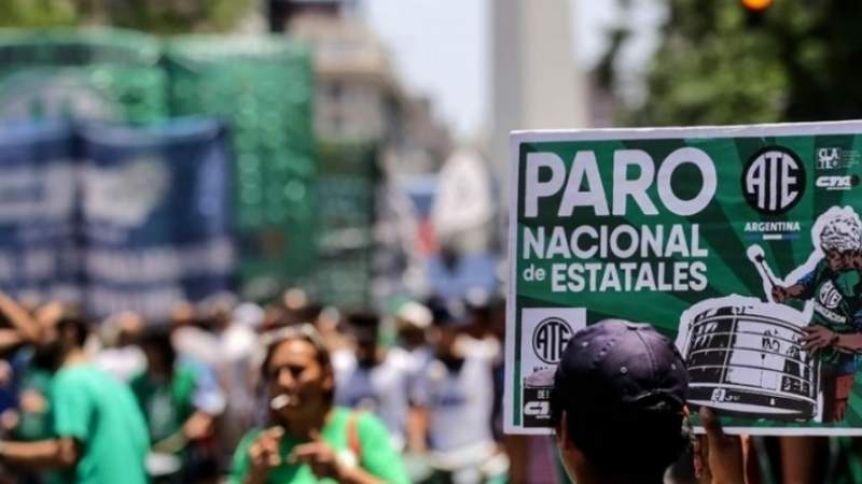 Sindicatos paran y marchan en todo el país