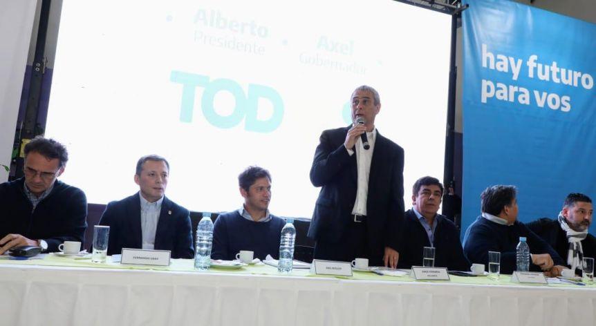 Con la misión de planificar el segundo tramo de la campaña, Kicillof se reúne con el PJ provincial