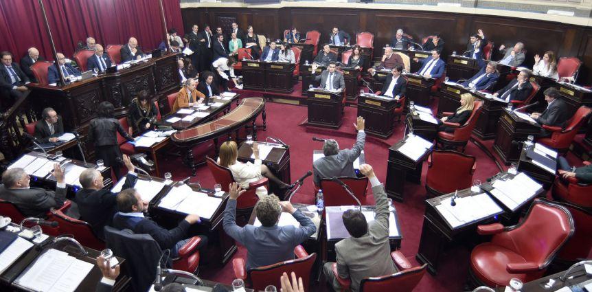 Pese al rechazo de la oposición, Cambiemos ingresó los pliegos de jueces pedidos por Vidal