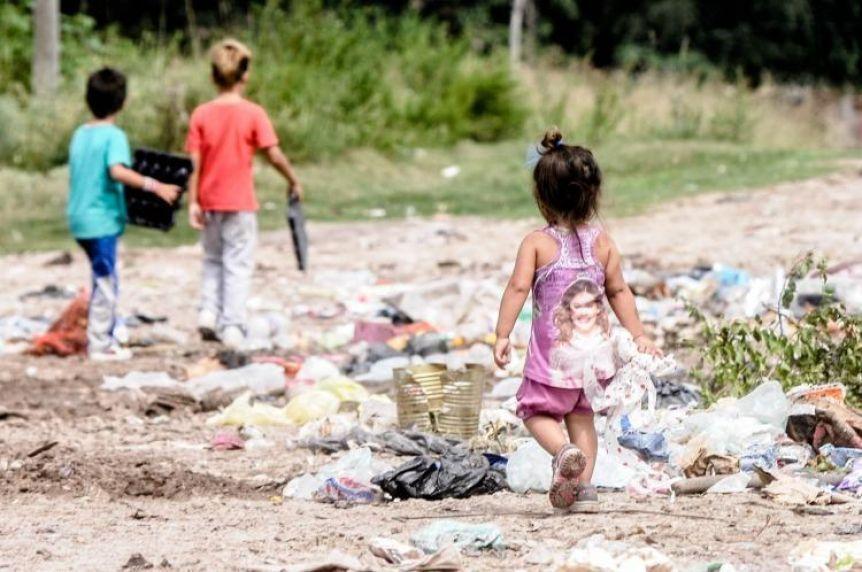 La crisis que más duele: seis argentinos cayeron en la pobreza por minuto en el último año