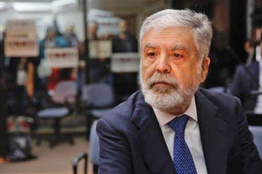 Julio De Vido y Roberto Baratta, cerca de ir juicio por la importaci�n de Gas Natural Licuado