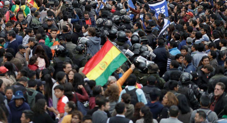 La crisis política en América Latina preocupa al 83,4% de los bonaerenses, según un estudio