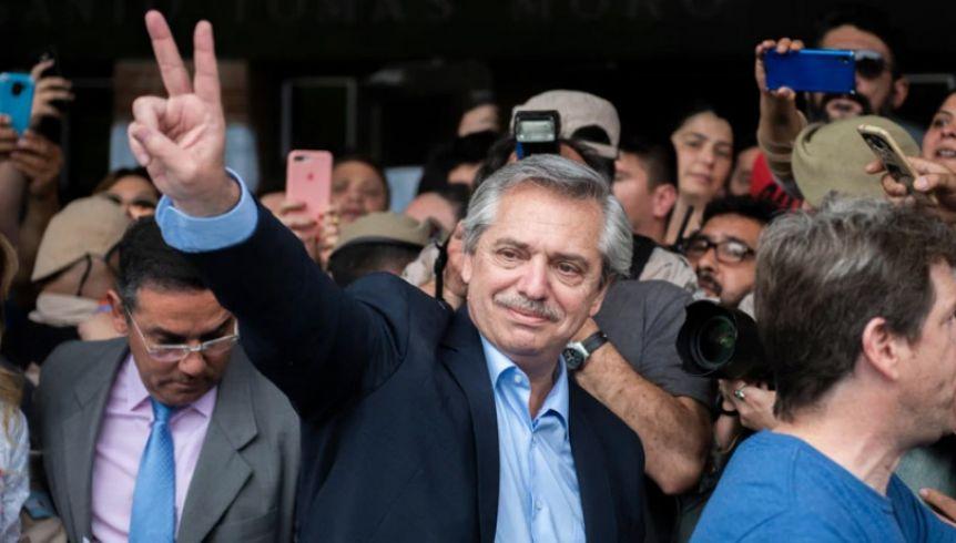 Antes de asumir, Alberto Fernández volvió a marcar presencia en las redes
