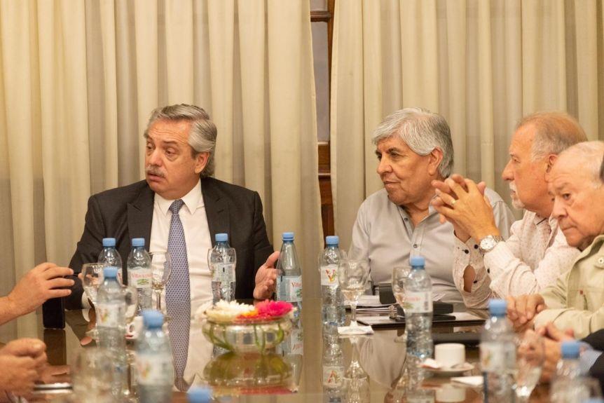 Con el objetivo de acercar posiciones, Alberto almorz� con Hugo Moyano
