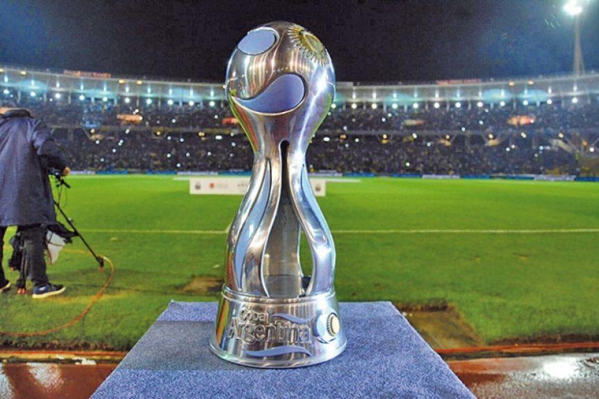 Facundo Tello dirigirá la final de la Copa Argentina