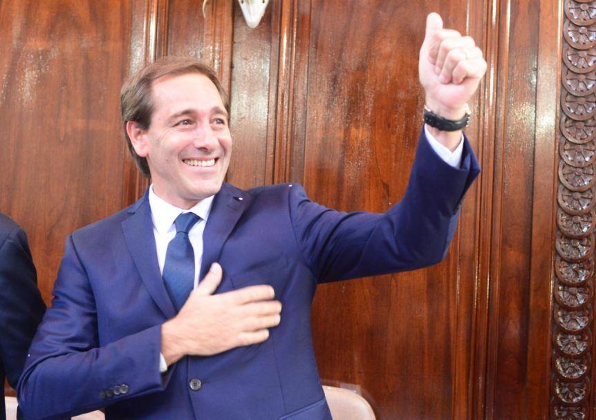 Garro asumió su nuevo mandato con un peronismo partido en tres