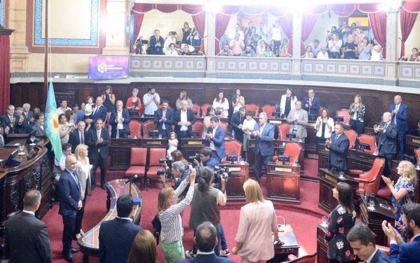 Tras la negociación, juraron los nuevos senadores y se eligieron las nuevas autoridades de la Cámara