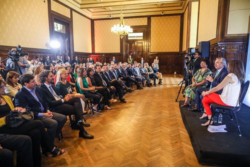 Ley Micaela: Alberto se capacitó junto a su gabinete en género y violencia contra las mujeres