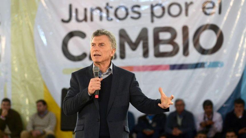 Arde la oposición tras la reaparición de Macri
