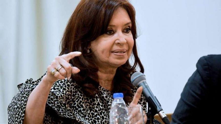 Anularon la prisión preventiva de CFK por los cuadernos
