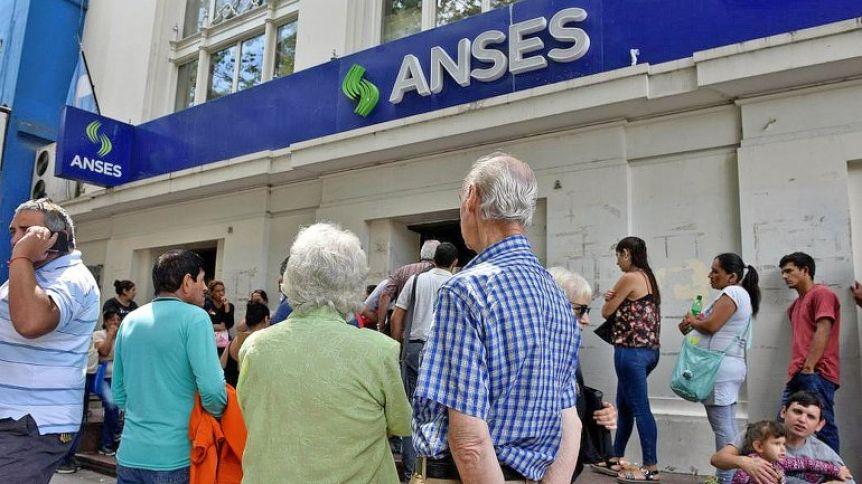 El Gobierno anuncia aumentos a jubilados