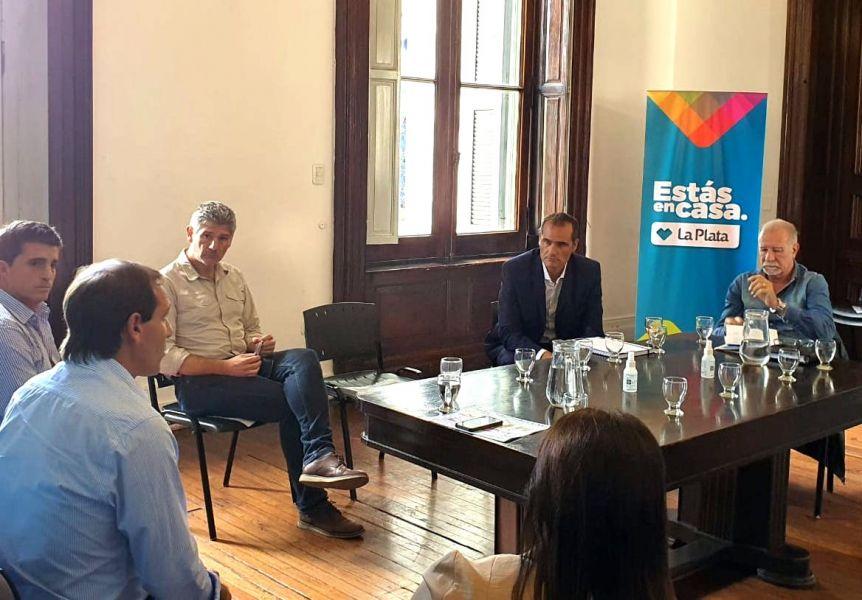 Continúan las muestras de unidad: La Plata amplía su Comité de Crisis