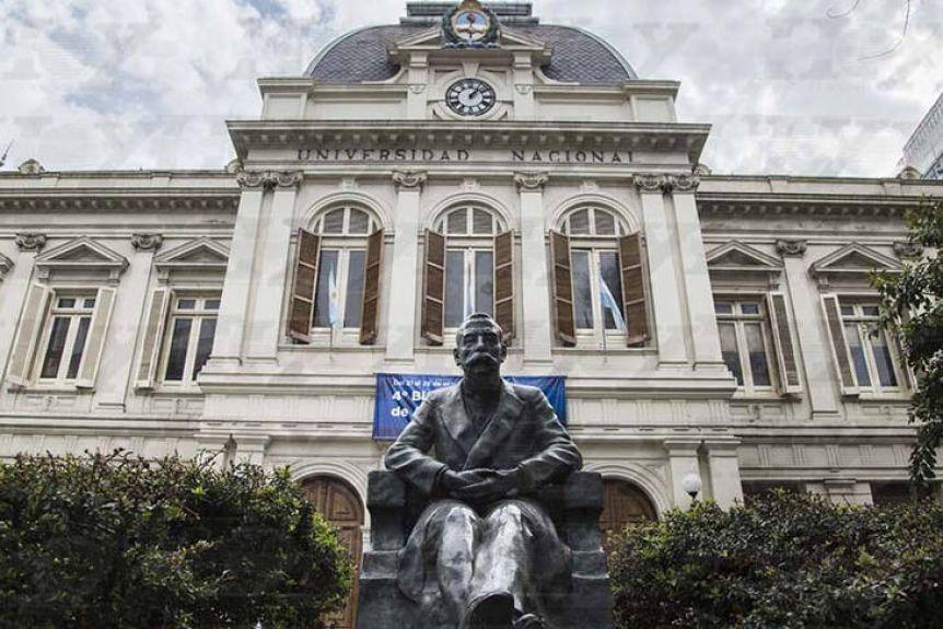 Mientras la UBA reprograma su calendario, las universidades bonaerenses siguen educando