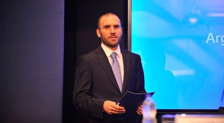 En medio de la renegociación de la deuda, Guzmán puso el acento en el cuidado de la salud
