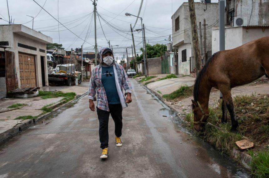 Ante el malestar y la escalada de contagios, aumentan la contención en barrios populares