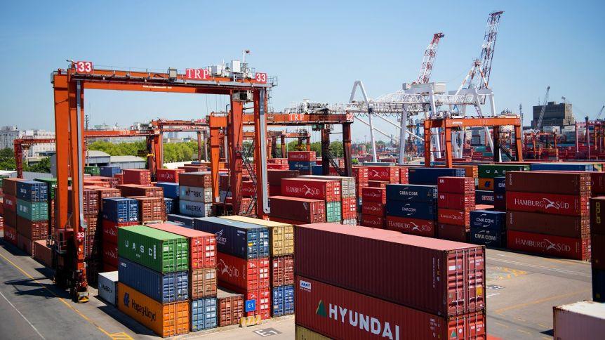 Las exportaciones subieron por primera vez en el año